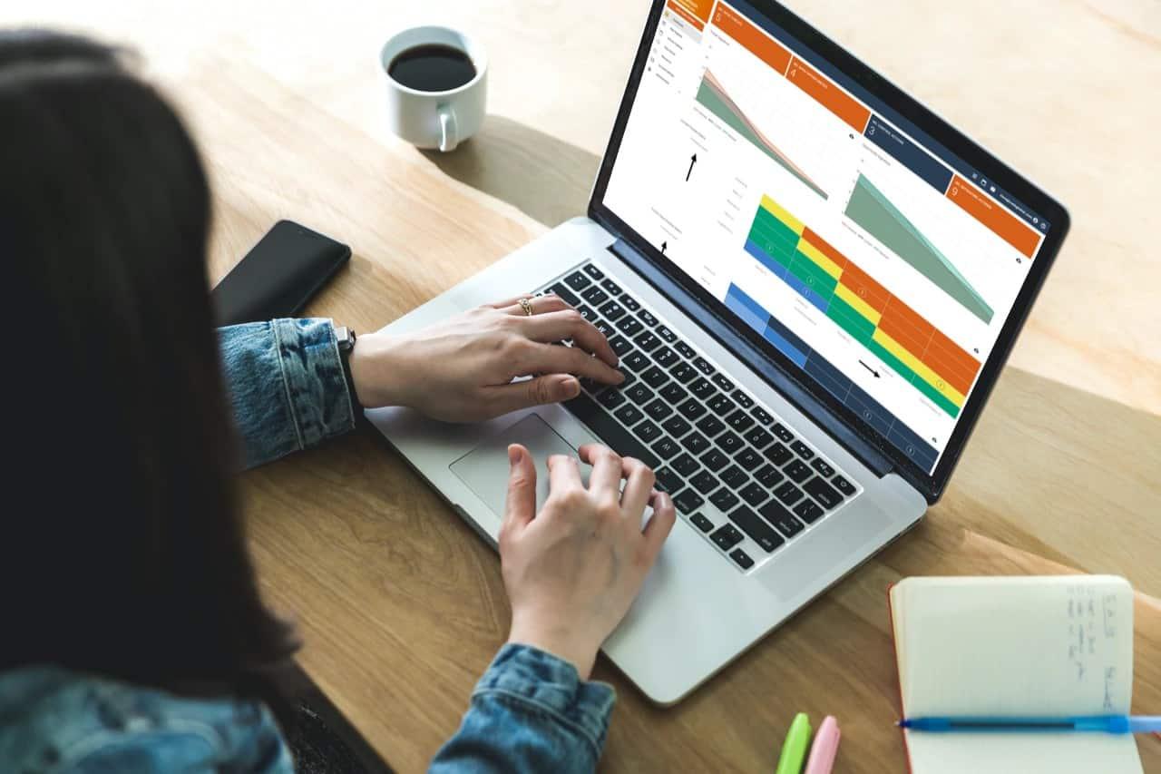 getriskmanager on a laptop